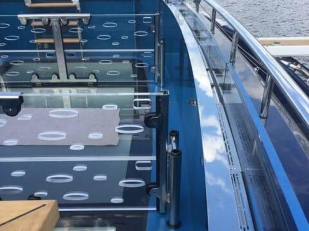 Schwallwände für Pool auf Yacht - Bremen Oldenburg Wilhelmshaven - LETO Kunststoffe