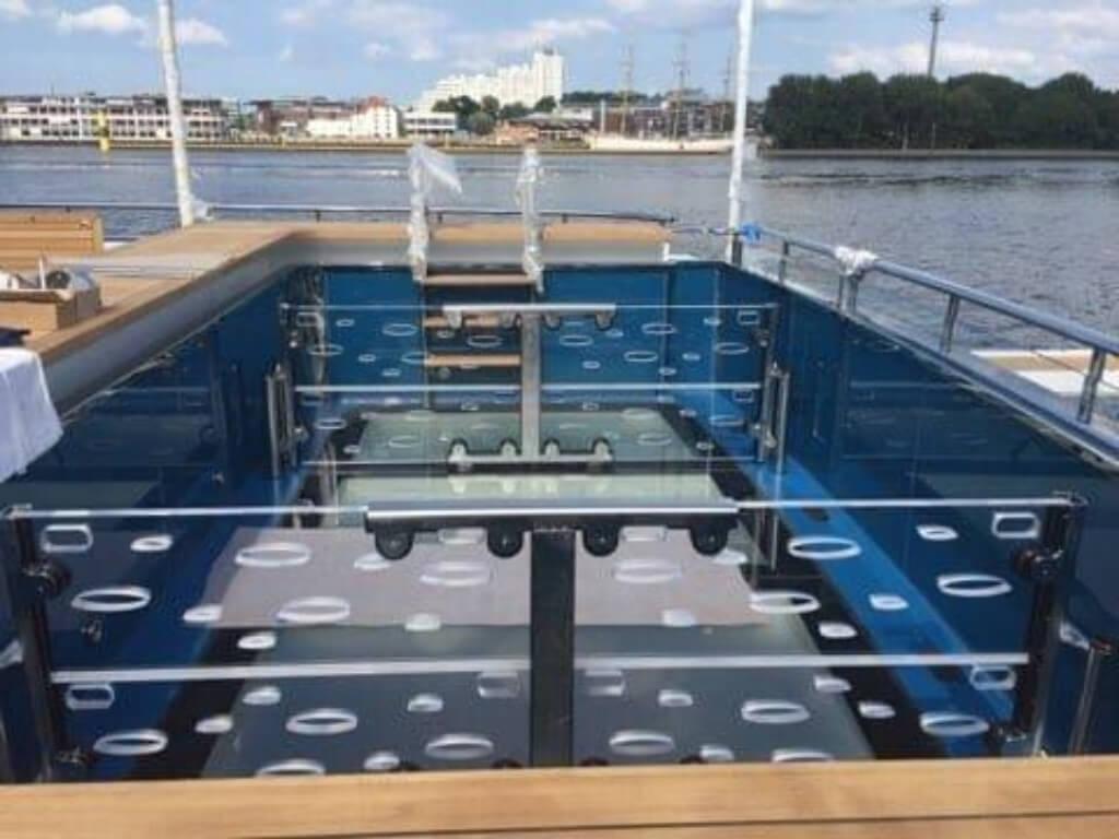 Schwallwände für Pool auf Yacht - Bremen Oldenburg Wilhelmshaven - LETO Kunststoffe2